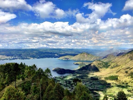 Lake_Toba1.jpg