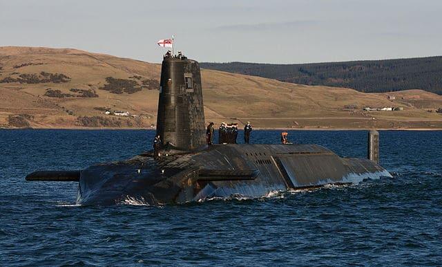 640px-Trident_Nuclear_Submarine_HMS_Victorious.jpg