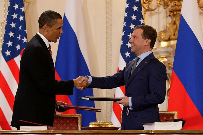 Presidents Obama_and_Medvedev_sign New START in April 2010. Photo by: Kremlin.ru