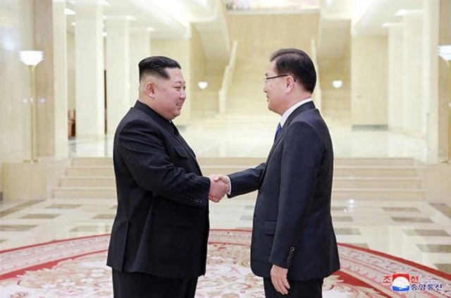 Kim Jong-un meets South Korean envoy