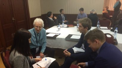 Siegfried Hecker chats with some of the participants in the US-Russia Young Professionals Nuclear Forum