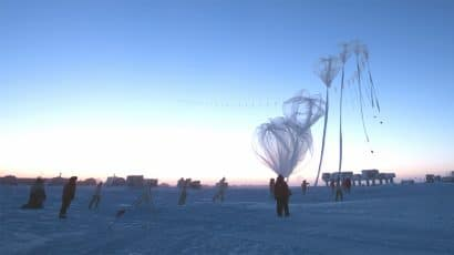 launch of atmospheric sampling balloon at South Pole