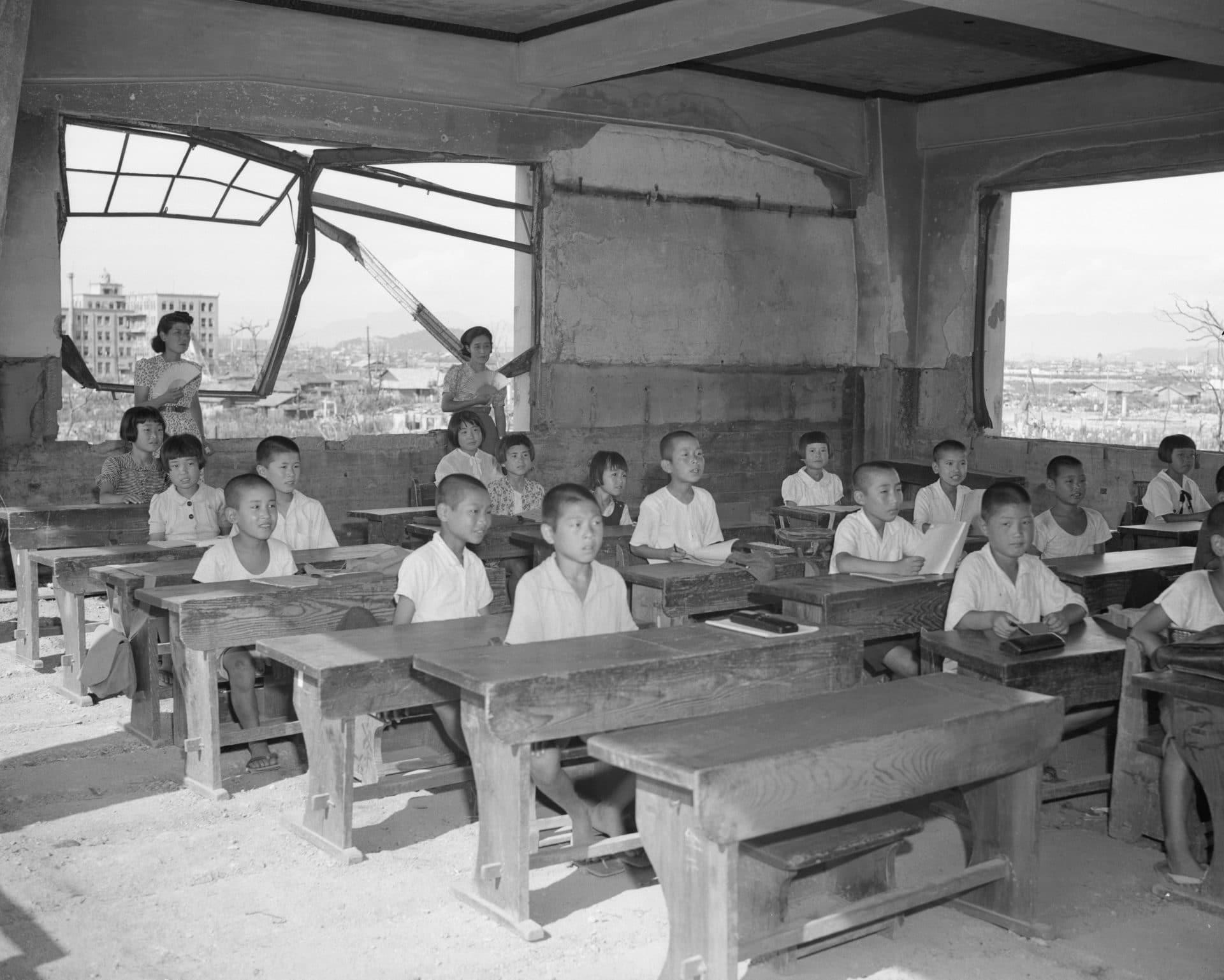 students teachers hiroshima ruins
