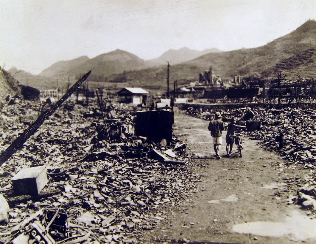 nagasaki atomic nuclear bombing 1945