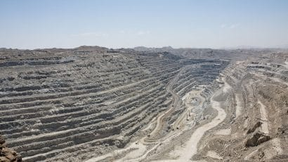 Rössing open pit uranium mine, Namibia. Photo credit: Ikiwaner/Wikimedia Commons