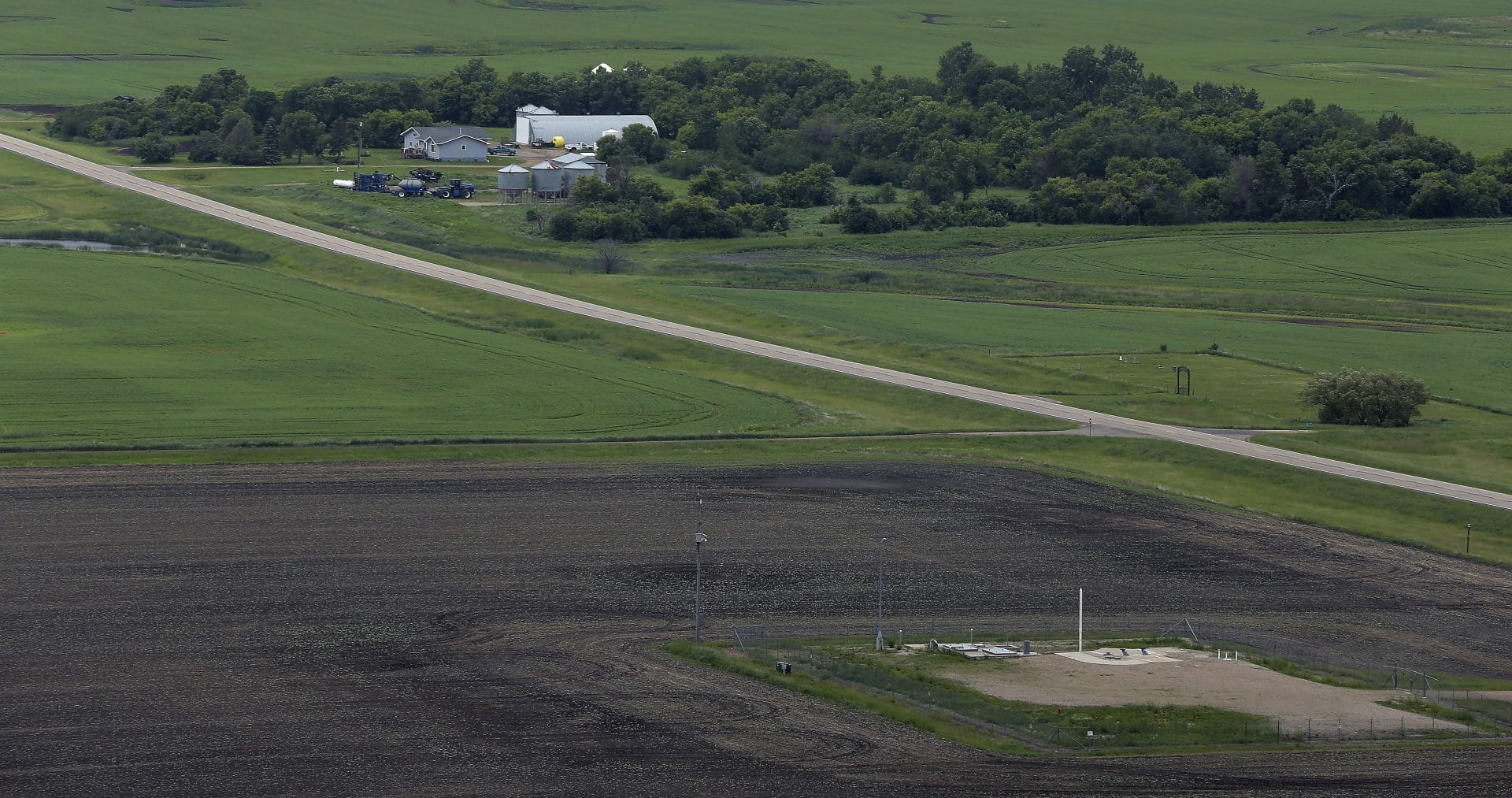 minot-icbm-farm-silos